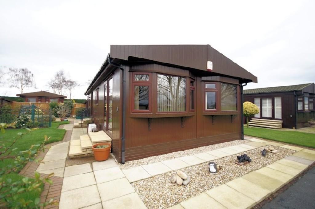 2 Bedrooms Mobile Home for sale in Fossdyke Walk, The Elms, Torksey