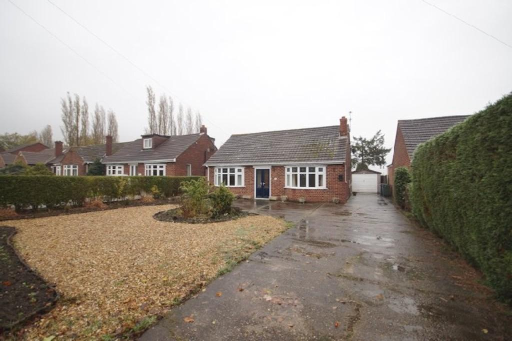 3 Bedrooms Detached Bungalow for sale in Saxilby Road, Sturton By Stow