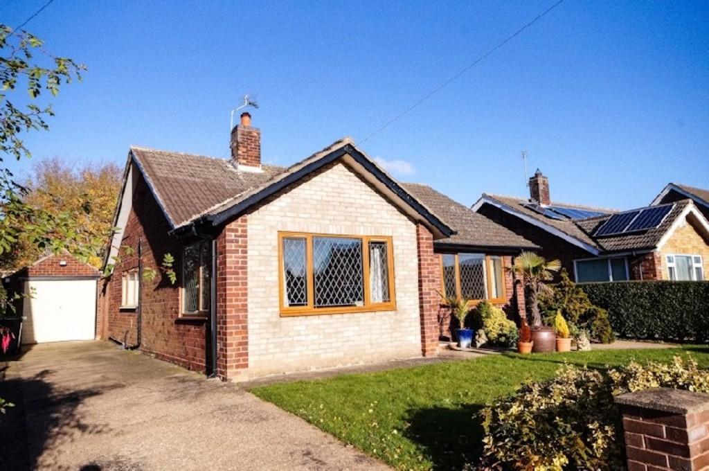 3 Bedrooms Detached Bungalow for sale in Vanwall Drive, Waddington