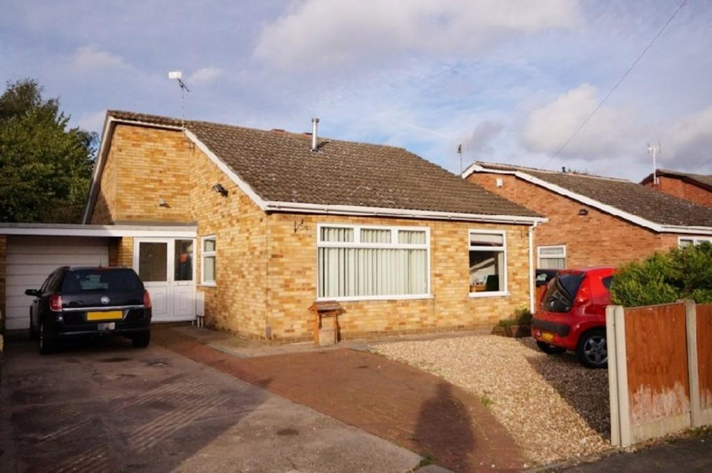 3 Bedrooms Detached Bungalow for sale in Swallow Avenue, Skellingthorpe, Lincoln