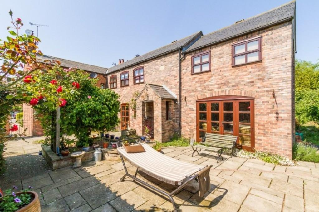 5 Bedrooms Farm House Character Property for sale in High Street, Eagle, Lincoln