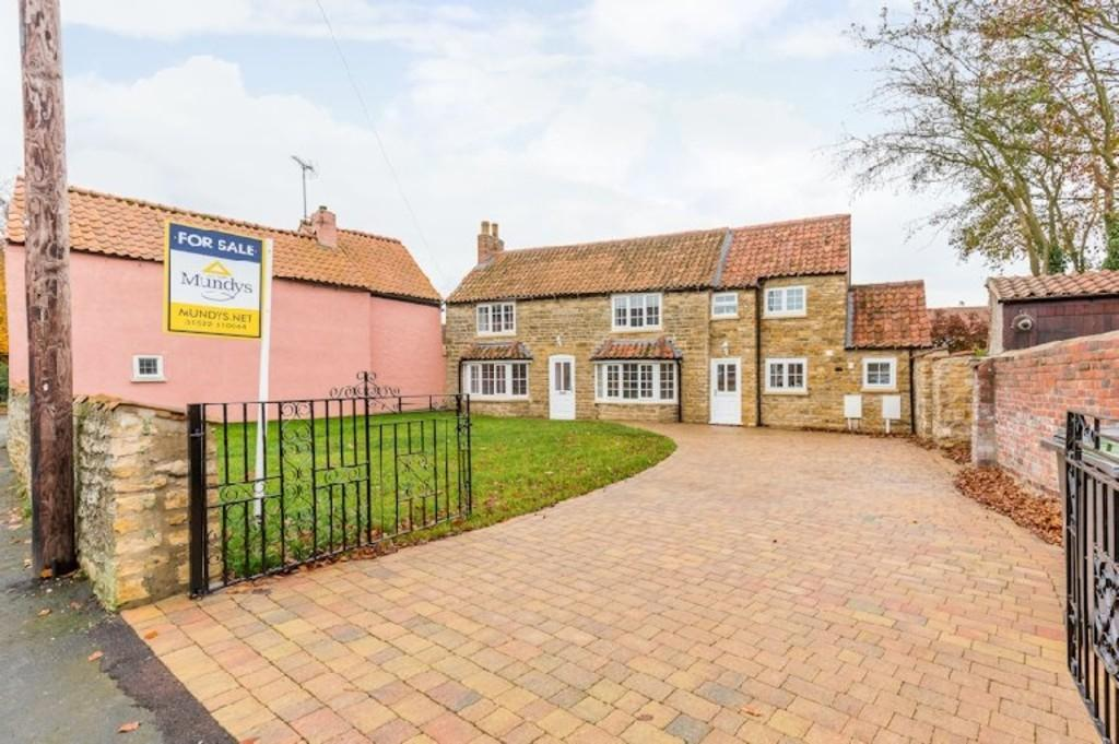 3 Bedrooms Cottage House for sale in Lower High Street, Waddington