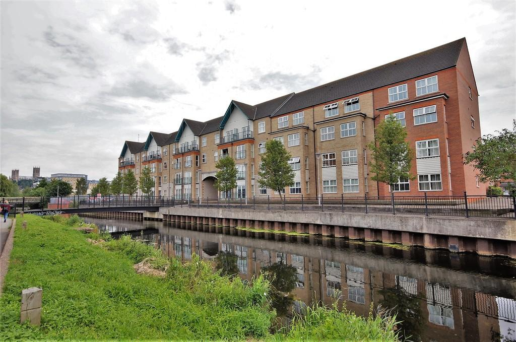 2 Bedrooms Flat for sale in Riverside Drive, Lincoln