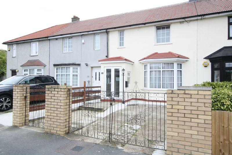 3 Bedrooms Terraced House for sale in Nesbit Road, Eltham SE9