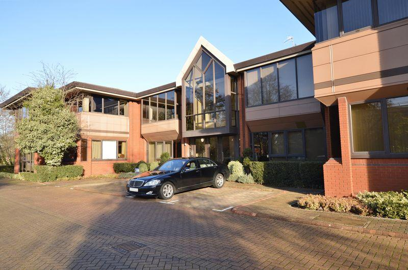 2 Bedrooms Apartment Flat for sale in Catteshall Lane, Godalming