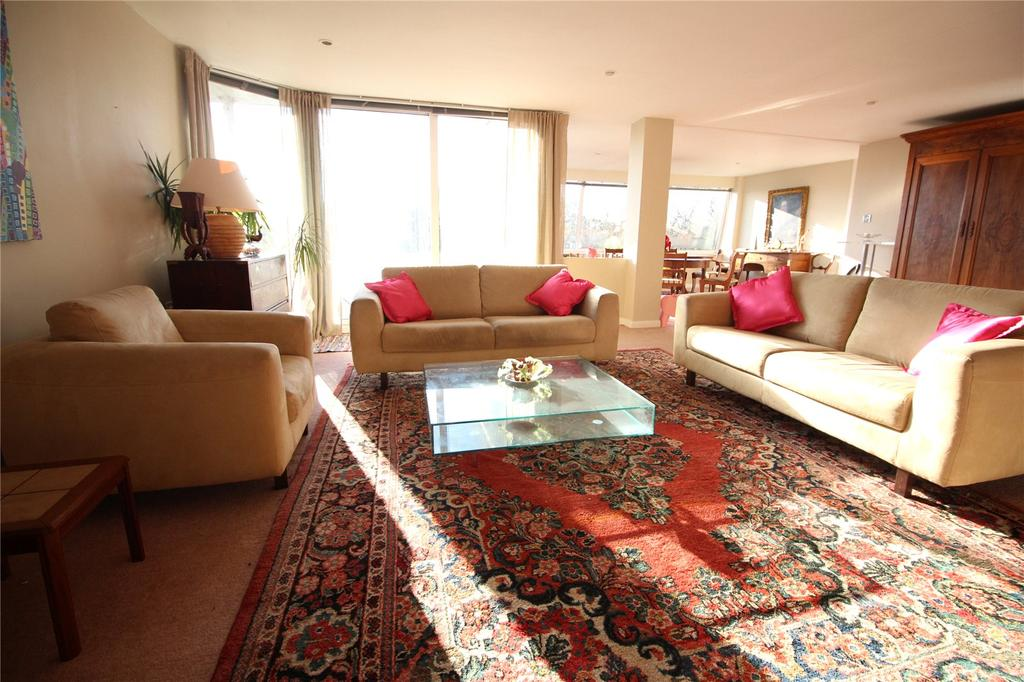 2 Bedrooms Apartment Flat for rent in Penthouse A, Leighwooods, Bristol, BS8