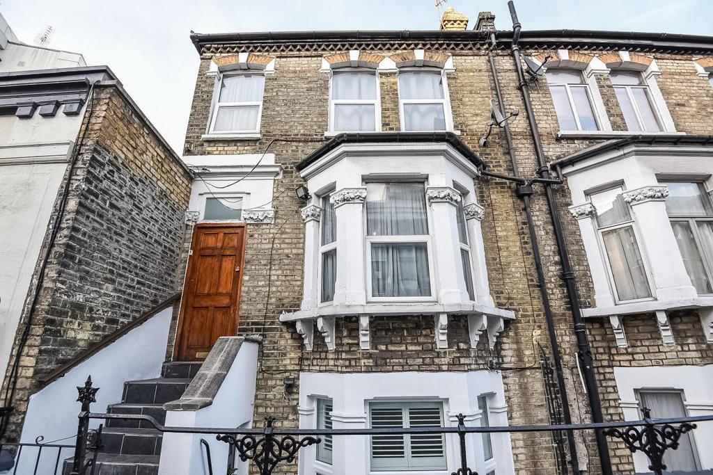 5 Bedrooms Maisonette Flat for sale in Dawes Road, Fulham, SW6