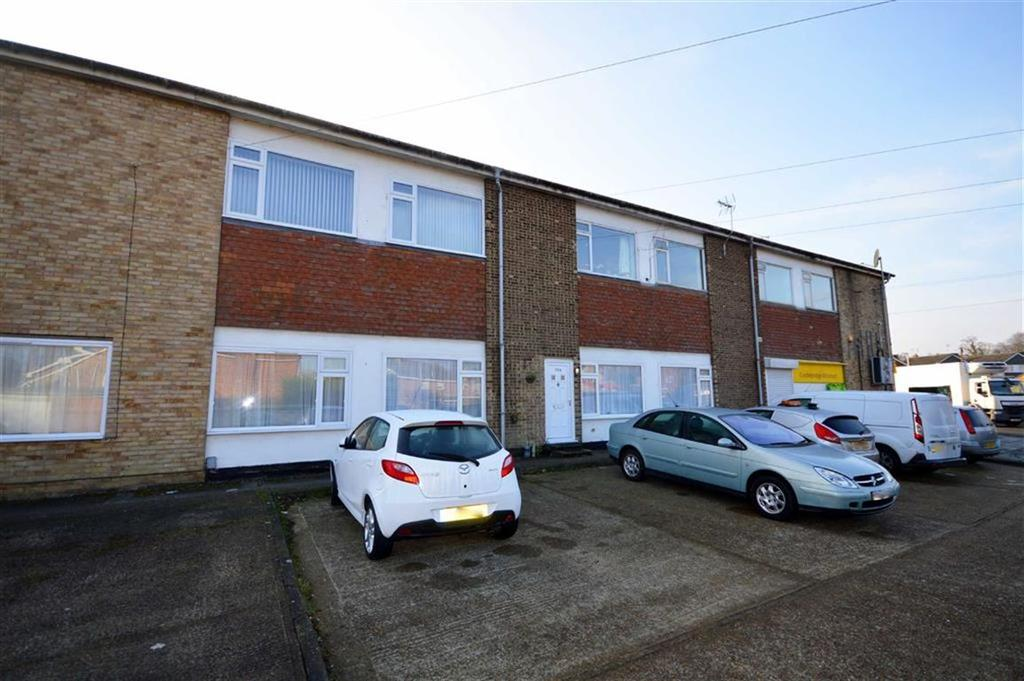 2 Bedrooms Flat for sale in Cradlebridge Drive, Ashford, Kent