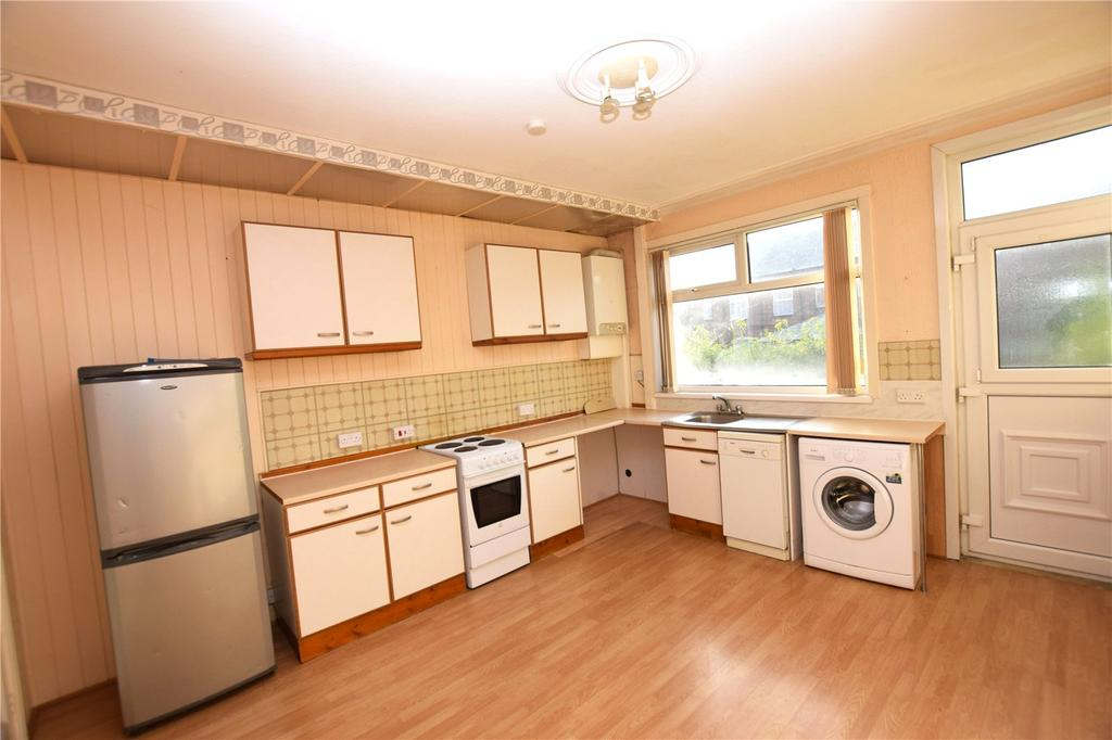 3 Bedrooms Terraced House for sale in Cross Flatts Grove, Beeston, Leeds, West Yorkshire, LS11