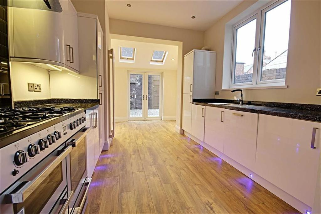 3 Bedrooms Terraced House for sale in Hepscott Terrace, South Shields, Tyne And Wear