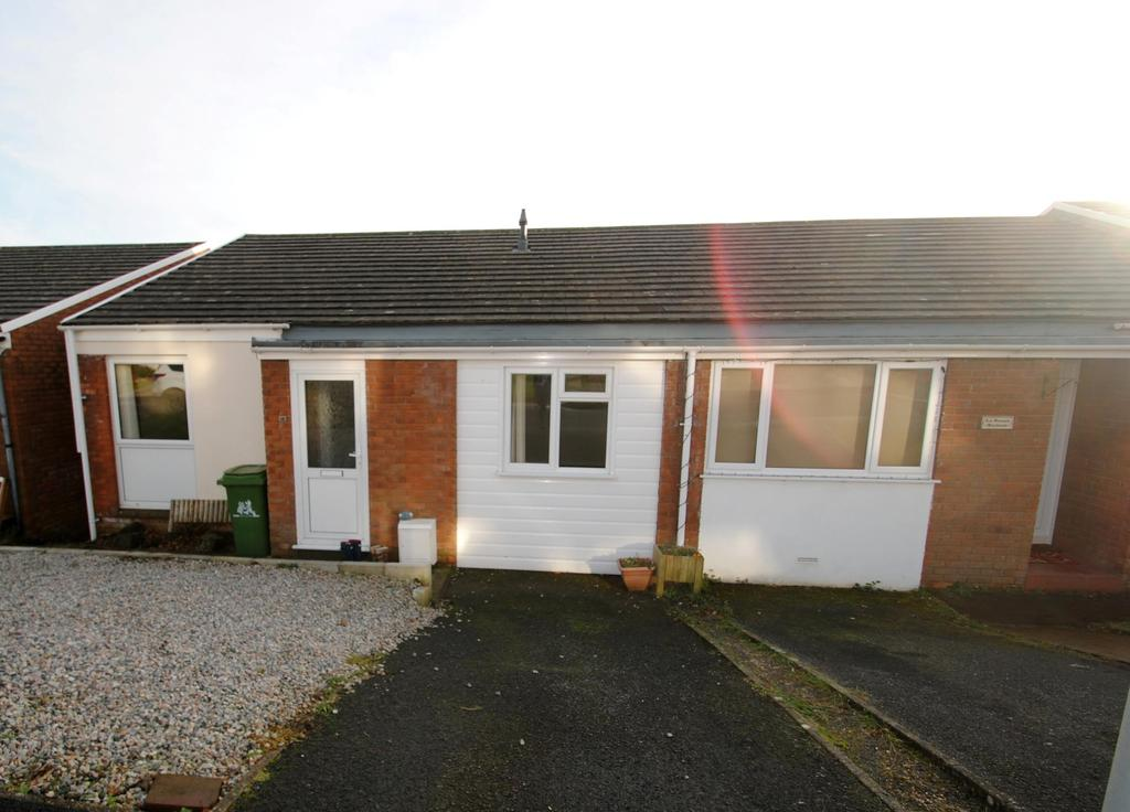 3 Bedrooms Semi Detached House for sale in Hamilton Close, Bideford