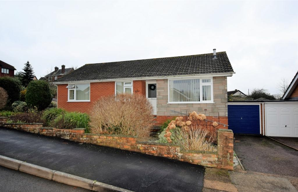 3 Bedrooms Bungalow for sale in Harrington Gardens, Pinhoe, EX4