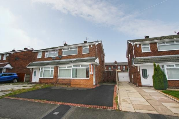 3 Bedrooms Semi Detached House for sale in Tenbury Drive Ashton In Makerfield Wigan