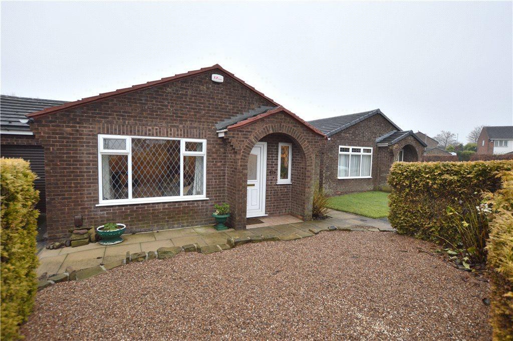 2 Bedrooms Bungalow for sale in Farnham Croft, Leeds, West Yorkshire