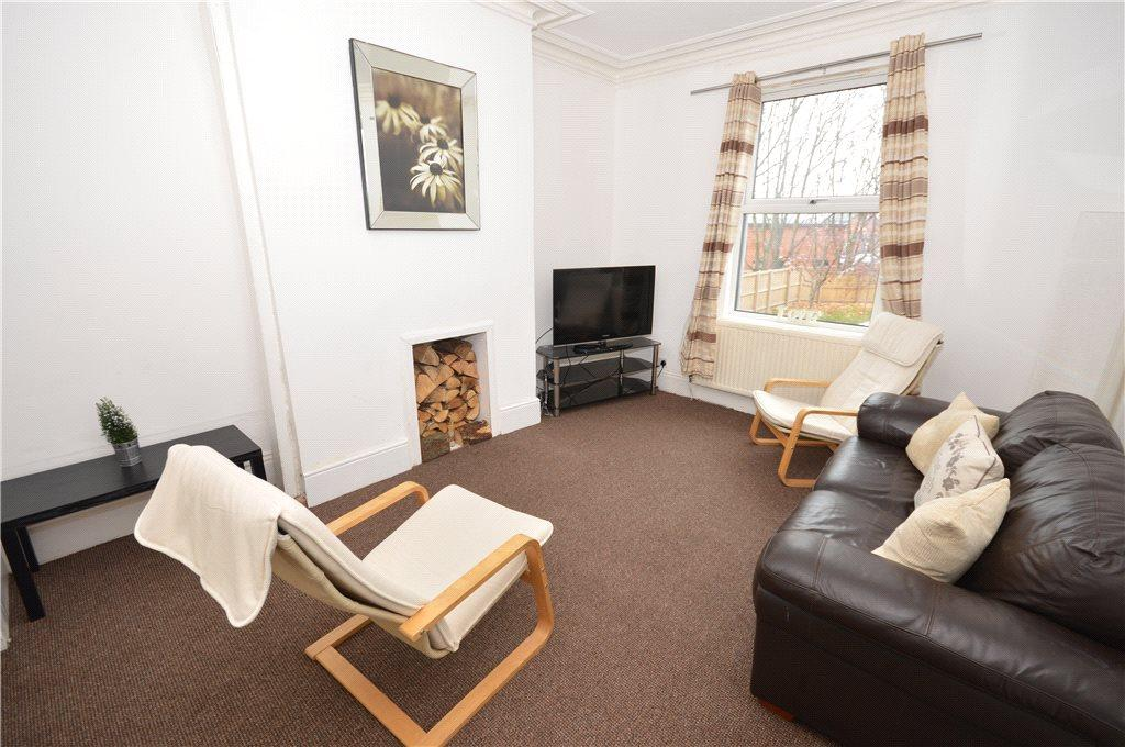 3 Bedrooms Terraced House for sale in Burton Terrace, Leeds, West Yorkshire
