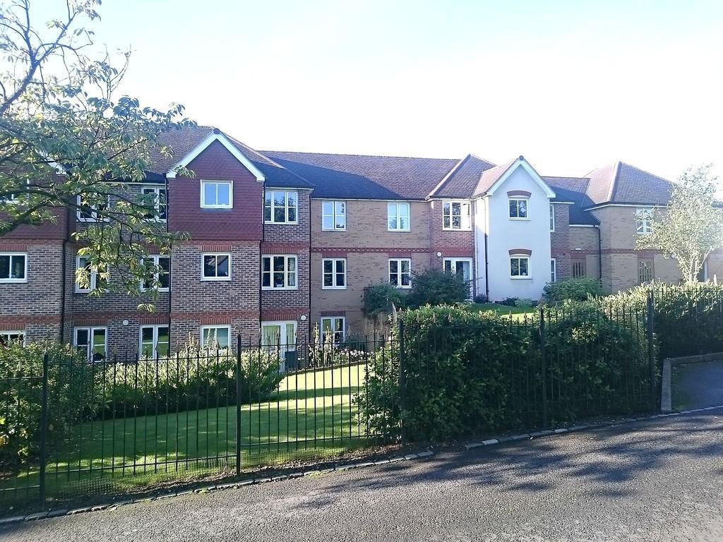1 Bedroom Ground Flat for sale in Buckingham Road, Brackley