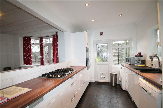 5 Bedrooms Semi Detached House for sale in Old Shoreham Road, Hove