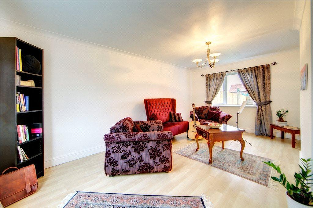 3 Bedrooms End Of Terrace House for sale in Stoneleigh Avenue, Newcastle upon Tyne, NE12