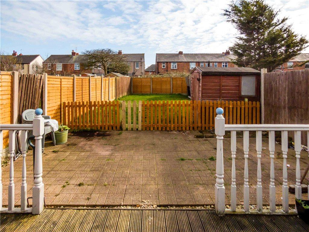 3 Bedrooms End Of Terrace House for sale in Harcourt Road, Marton, Blackpool