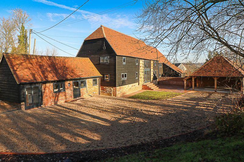 5 Bedrooms Semi Detached House for sale in Park Farm Barn West, Smallbridge Road, Horsmonden