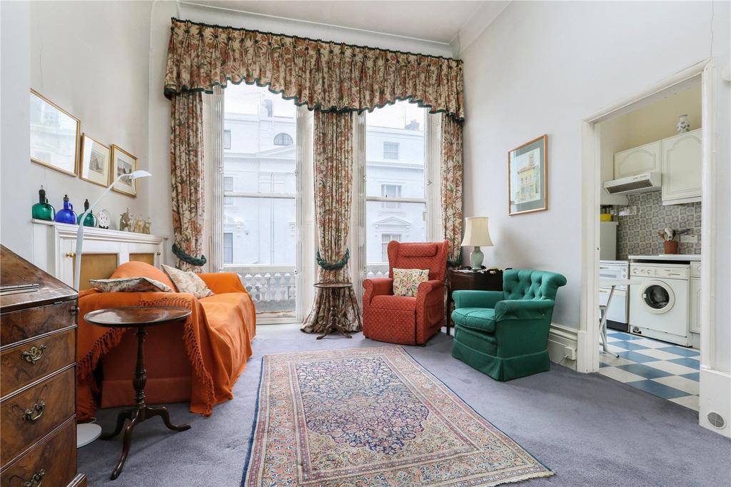 2 Bedrooms Flat for sale in Ovington Gardens, London, SW3