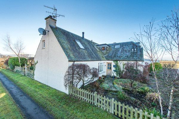 4 Bedrooms Semi Detached House for sale in The Bothy, Stirling, Stirlingshire, FK9