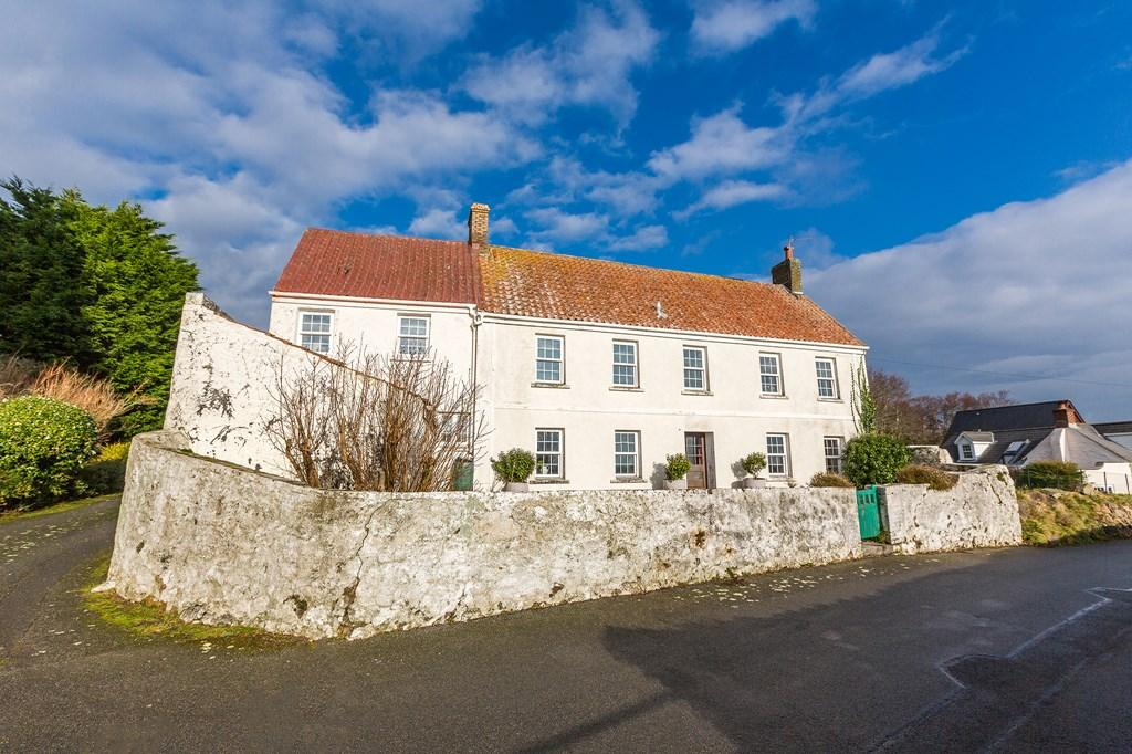3 Bedrooms Farm House Character Property for sale in Les Messuriers, Forest, Guernsey