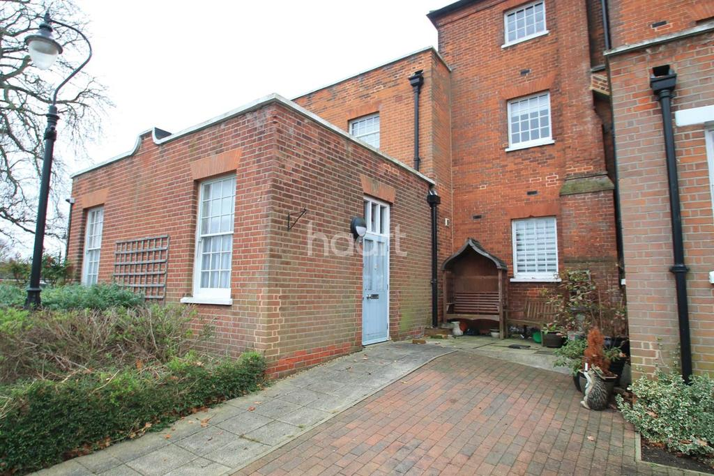 1 Bedroom Flat for sale in Home bridge Court ,Witham