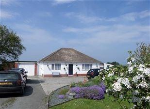 3 Bedrooms Detached Bungalow for sale in Llanon, SY23