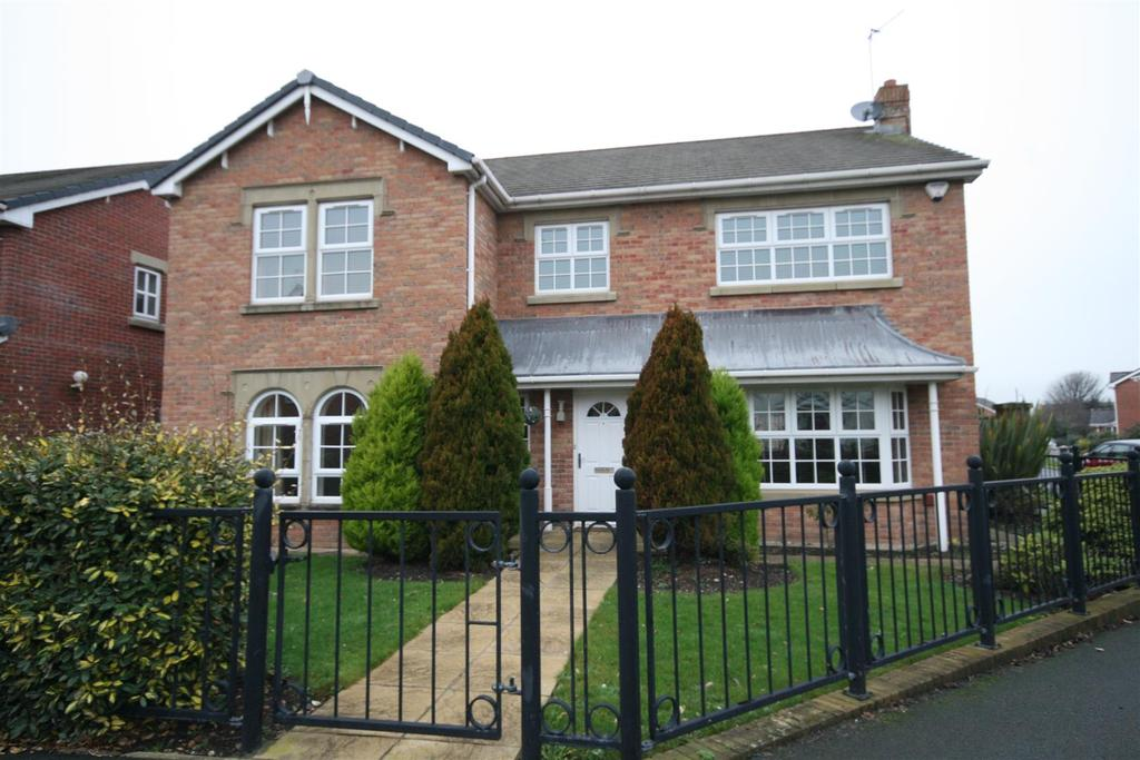 4 Bedrooms Detached House for sale in Victory Boulevard, Lytham