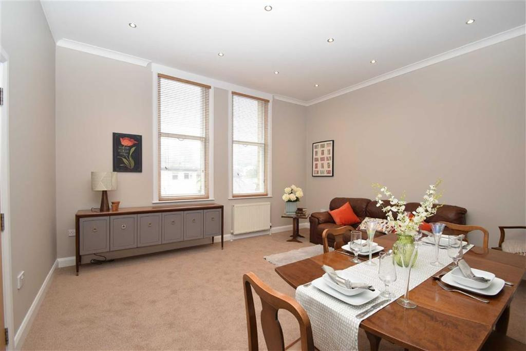 2 Bedrooms Flat for sale in 47 Westbourne Grove, Scarborough, North Yorkshire, YO11