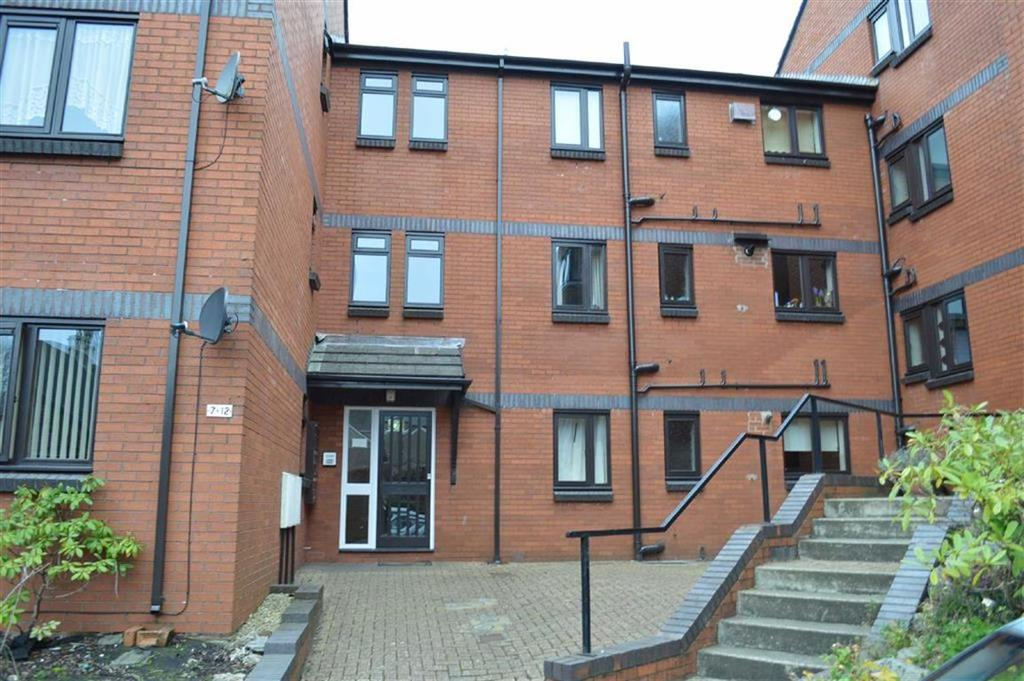 2 Bedrooms Flat for sale in Sarlou Court, Swansea, SA2