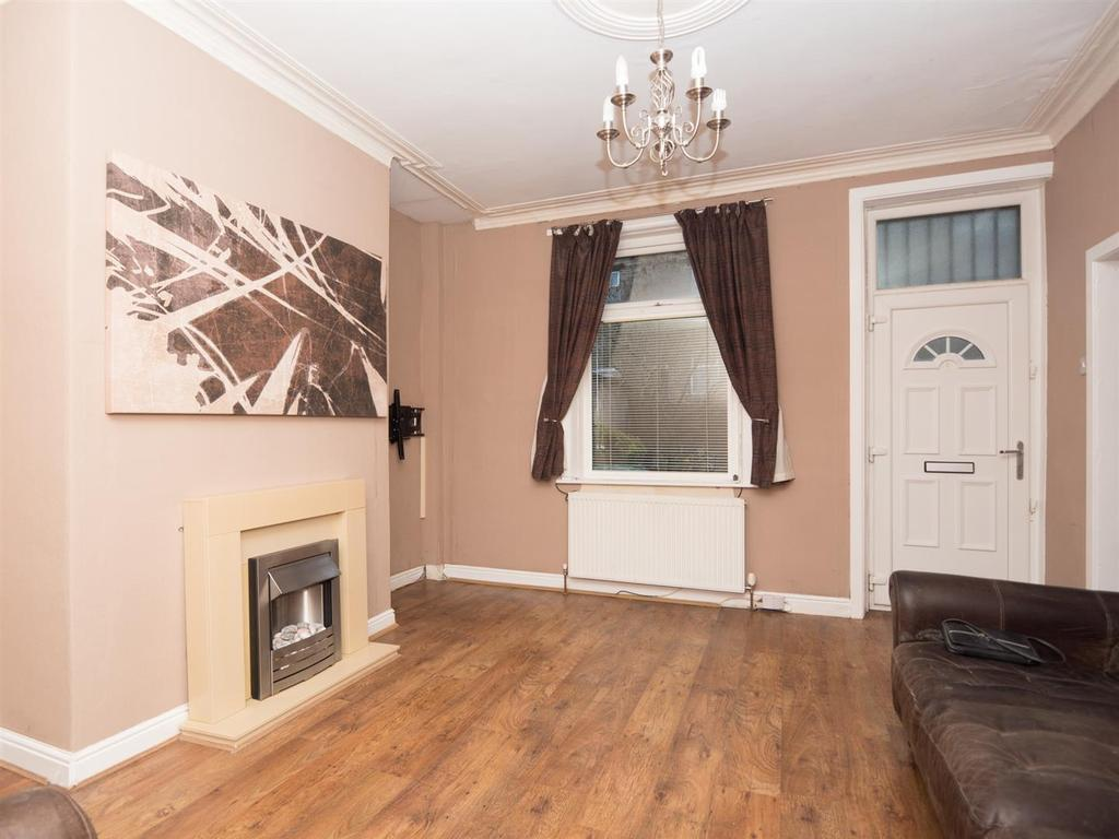 2 Bedrooms Terraced House for sale in Southampton Street, Bradford, BD3 0HN