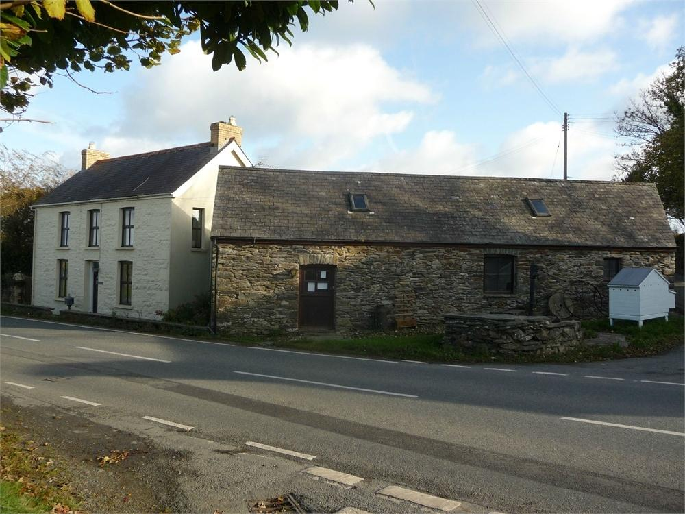 3 Bedrooms Detached House for sale in Islwyn, Crosswell, Crymych, Pembrokeshire