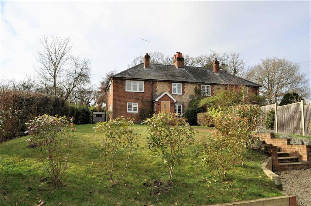 3 Bedrooms Semi Detached House for sale in Rosemary Cottages, Frensham, Farnham