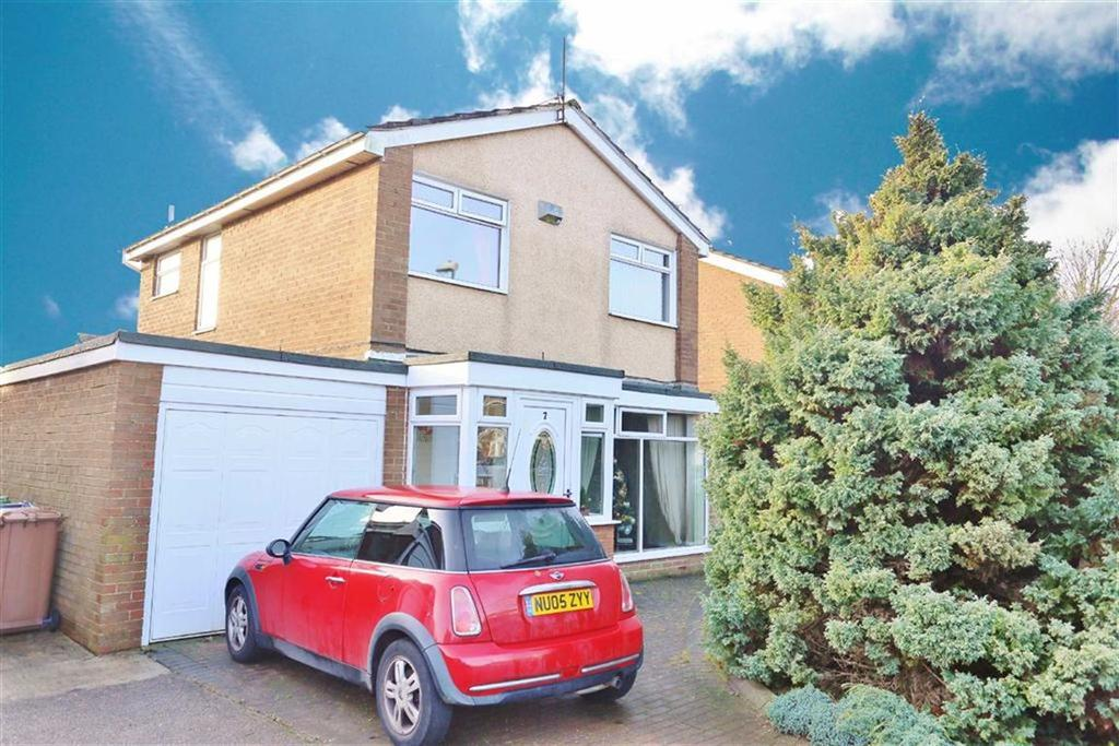 3 Bedrooms Detached House for sale in Milcombe Close, Moorside, Sunderland, SR3