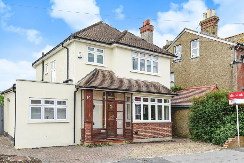 4 Bedrooms Detached House for sale in Grosvenor Road, West Wickham, BR4