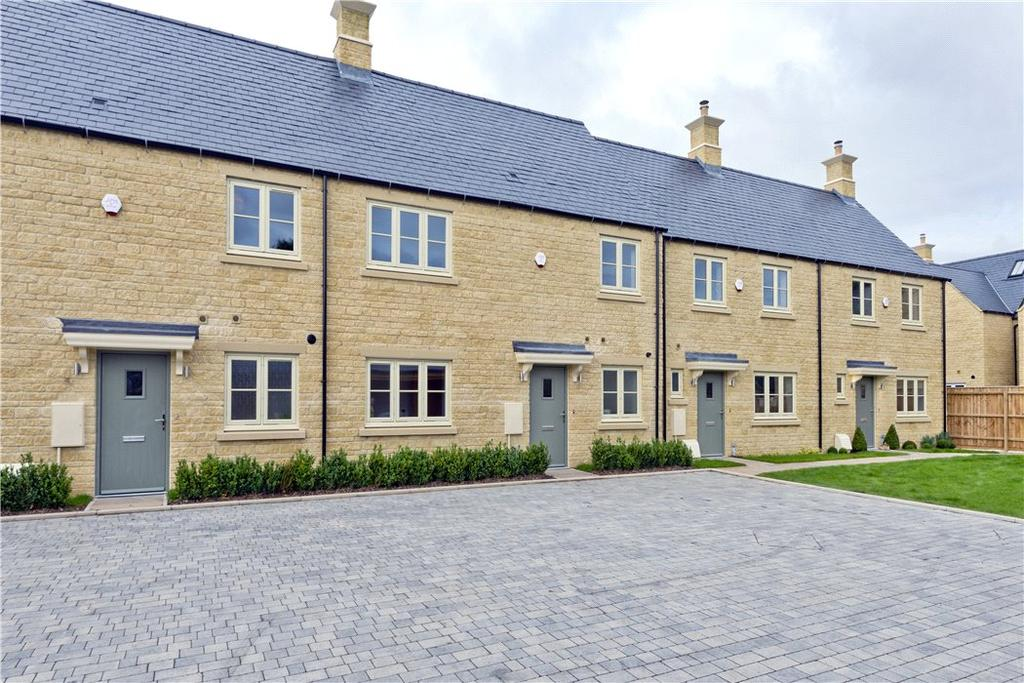4 Bedrooms Terraced House for sale in Eastview Close, Stow-On-The-Wold, GL54
