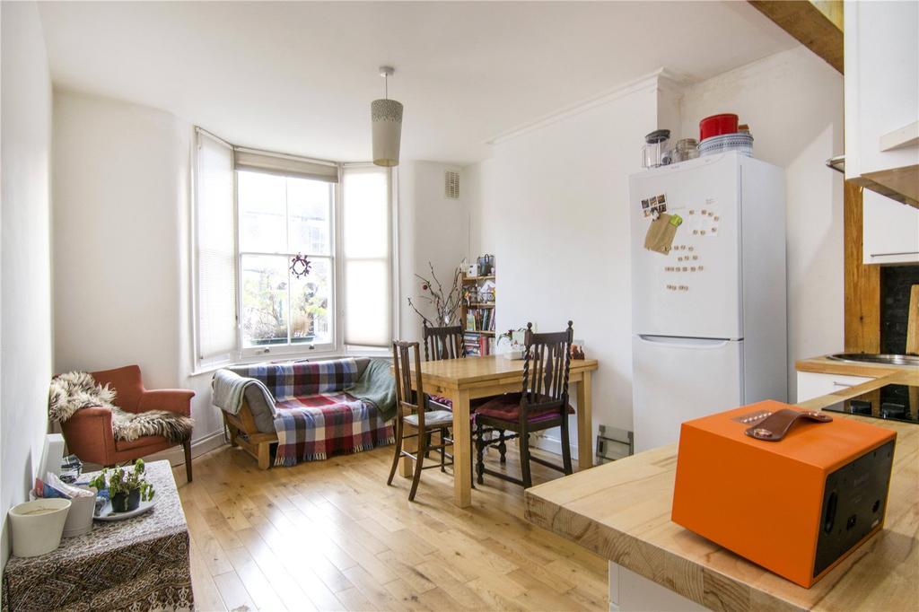 2 Bedrooms Flat for sale in Mabley Street, London, E9