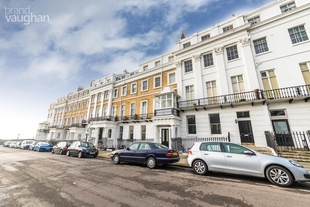 2 Bedrooms Flat for sale in Sussex Square, BRIGHTON, BN2