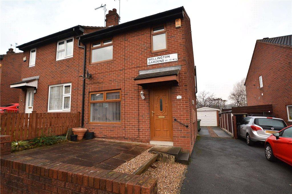 2 Bedrooms Semi Detached House for sale in Wellington Gardens, Bramley, Leeds