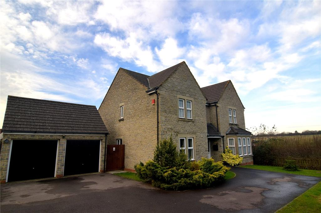 4 Bedrooms Detached House for sale in Beaufort Close, Elborough, North Somerset, BS24