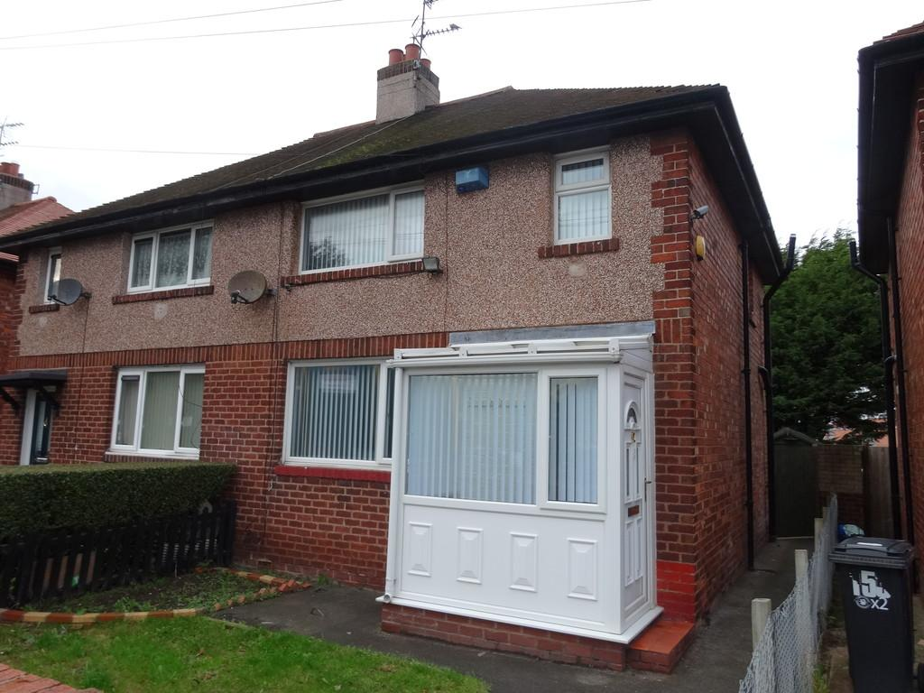 3 Bedrooms Semi Detached House for sale in Cefndy Road, Rhyl