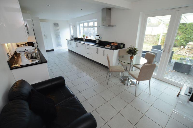 6 Bedrooms Detached House for sale in 2 Ebrington Close, Woodhall Spa