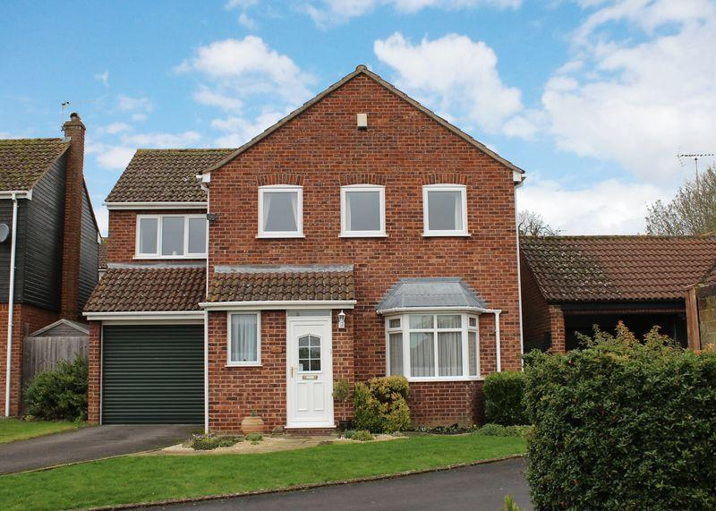 4 Bedrooms Detached House for sale in Priory Orchard, Wantage