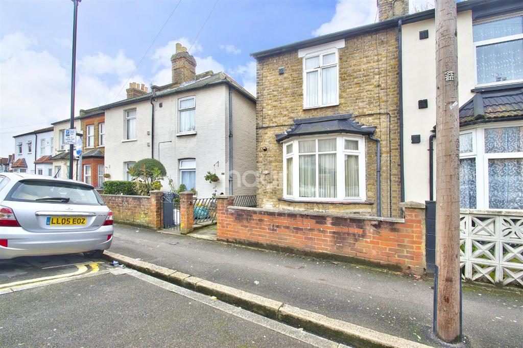 2 Bedrooms Semi Detached House for sale in Hounslow