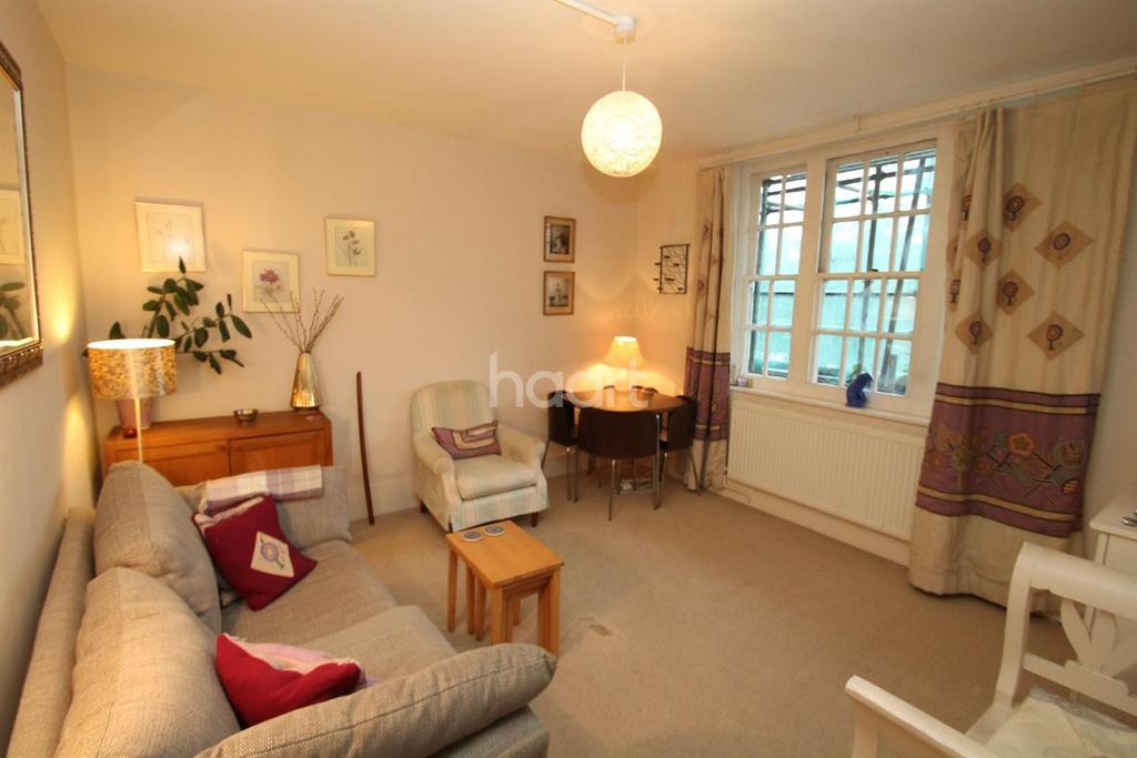 2 Bedrooms Flat for sale in Peabody Buildings, Camberwell Green SE5