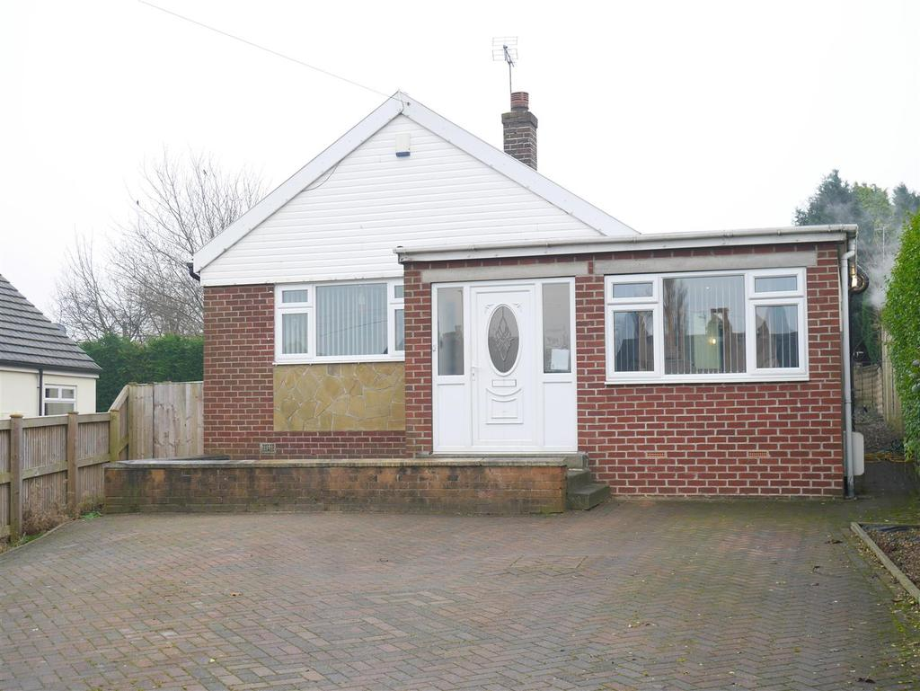 4 Bedrooms Detached Bungalow for sale in Tyersal Road, Tyersal, BD4 8EZ