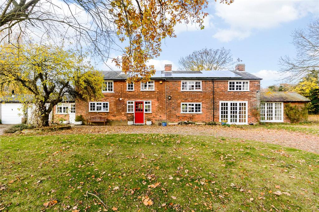 5 Bedrooms Detached House for sale in Frogmore Bottom, Kings Walden, Hitchin, Hertfordshire