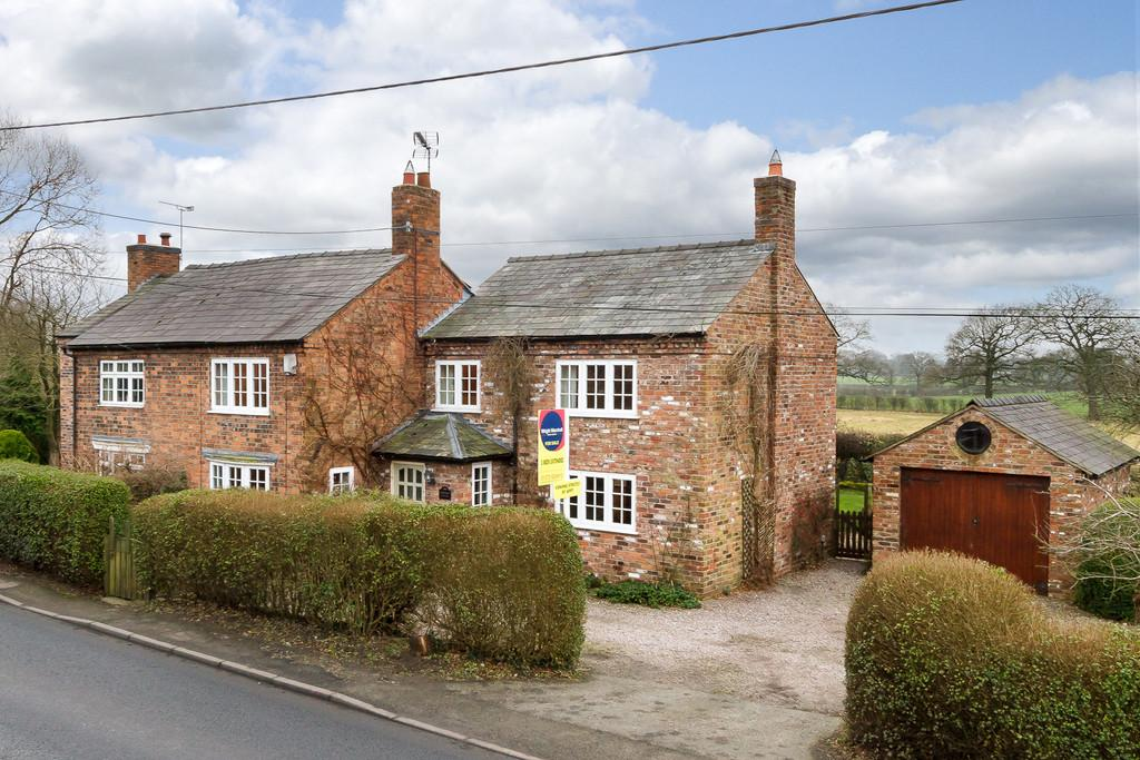 3 Bedrooms Semi Detached House for sale in Burland, Cheshire